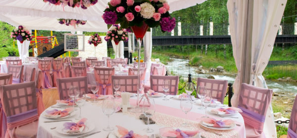 Creating Table Arrangements For Wedding Receptions